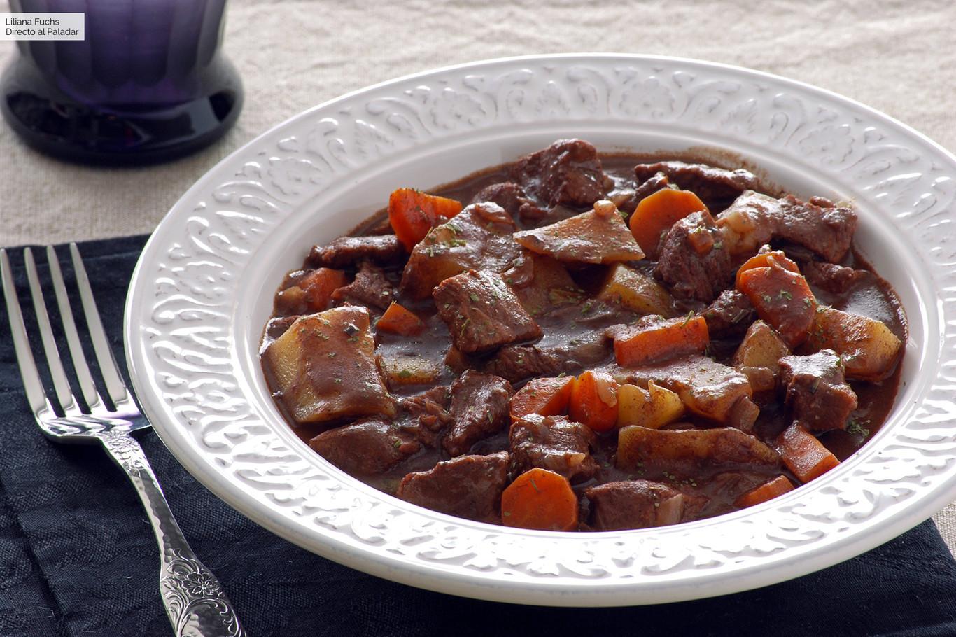 Estofado de ternera al Oporto con chocolate: receta para amantes de los guisos de carne