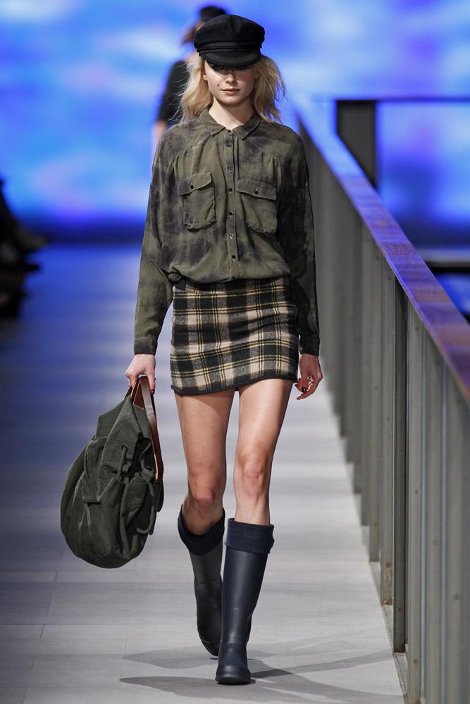 Foto de TCN Otoño-Invierno 2014/2015 en la 080 Barcelona Fashion (48/120)