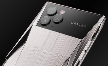 Caviar fusiona el iPhone 11 Pro y el diseño del Cybertruck de Tesla para crear el 'Cyberphone'