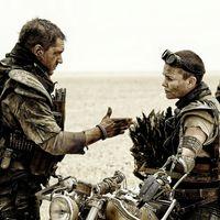 """""""Era cuestión de supervivencia"""". Tom Hardy y Charlize Theron hablan de su mala relación rodando 'Mad Max: Furia en la carretera'"""