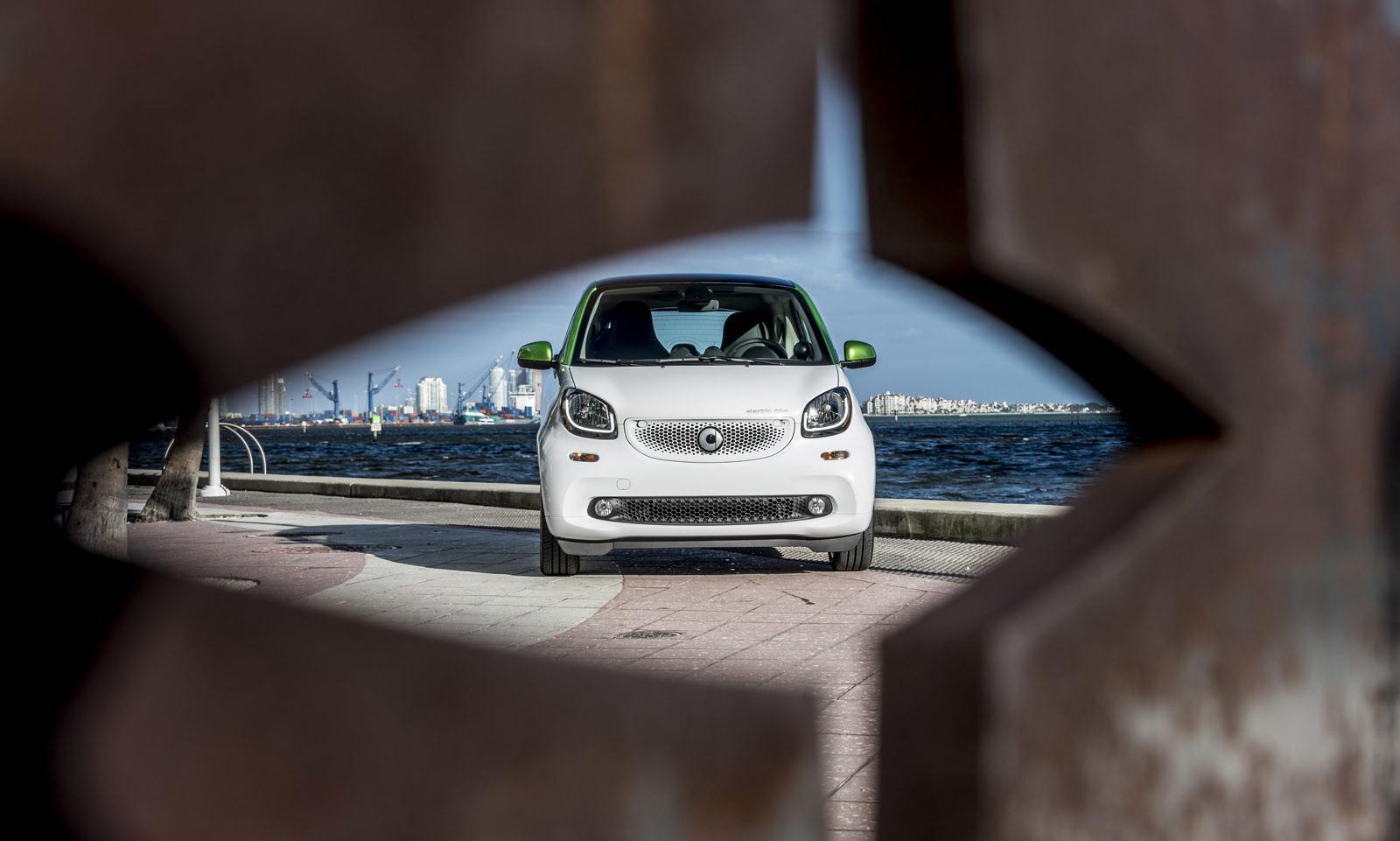 Foto de smart fortwo Electric Drive, toma de contacto (140/313)