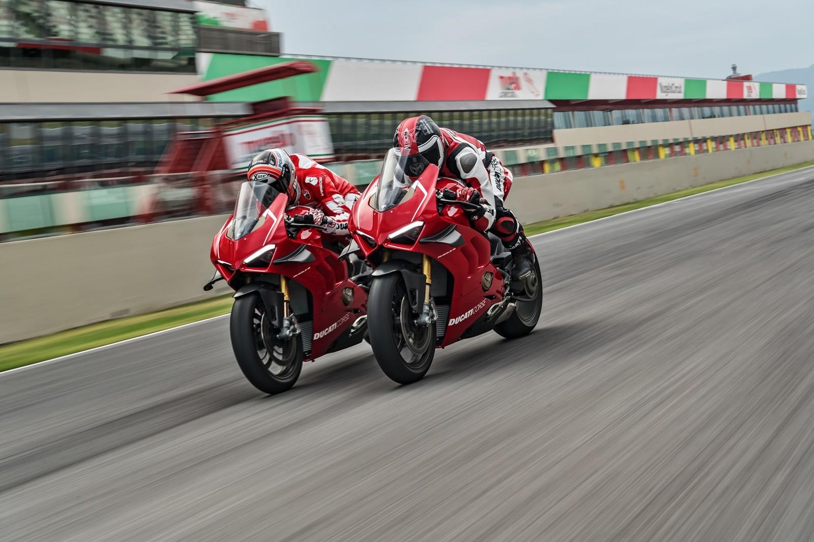 Foto de Ducati Panigale V4 R 2019 (14/87)