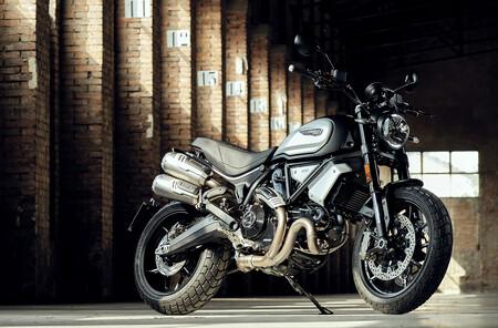 Ducati Scrambler 1100 Dark PRO: mismo estilo retromoderno pero por menos dinero, desde 12.990 euros