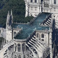Piscinas aéreas y huertos urbanos: 12 locas propuestas informales para la reconstrucción de Notre Dame