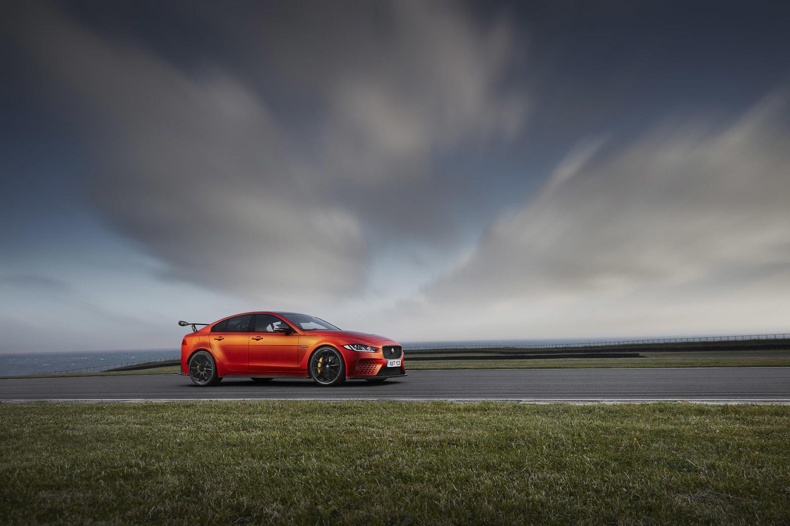 Foto de Jaguar XE SV Project 8 (10/12)