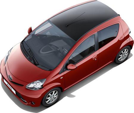 Toyota Aygo: ahora, con acabado exterior bicolor 'Rojo Frac'