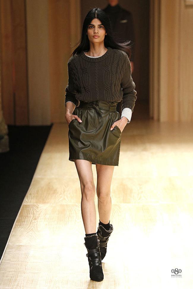 Foto de Mango abre la 080 Barcelona Fashion con su colección Otoño-Invierno 2014 y Toni Garrn (29/41)