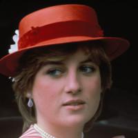 Diana de Gales sombrero pork pie look