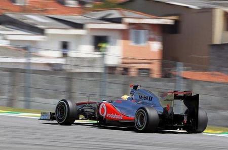 GP de Brasil F1 2011: Lewis Hamilton responde y marca el mejor tiempo del día