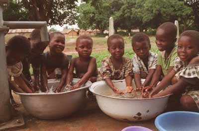 Lavarse las manos reduciría tres veces las muertes infantiles