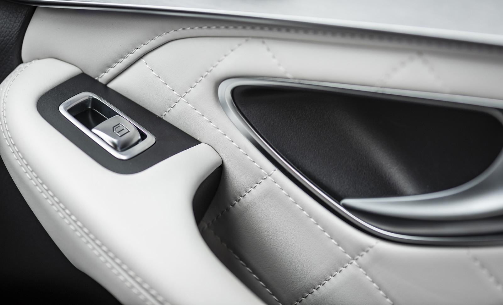 Foto de Mercedes-Benz Clase C 2018, toma de contacto (113/255)