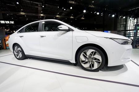 Geometry A es el nuevo coche eléctrico del gigante chino Geely: lo tendremos en Europa a partir de 27.600 euros