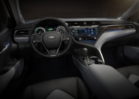 Toyota Camry 2018, la 8a generación rompe el molde de diseño