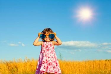 Protege los ojos de tus hijos: son muy vulnerables a las radiaciones solares