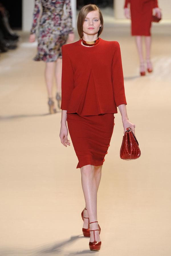 Foto de Elie Saab Otoño-Invierno 2011/2012 en la Semana de la Moda de París: la alfombra roja espera (4/32)