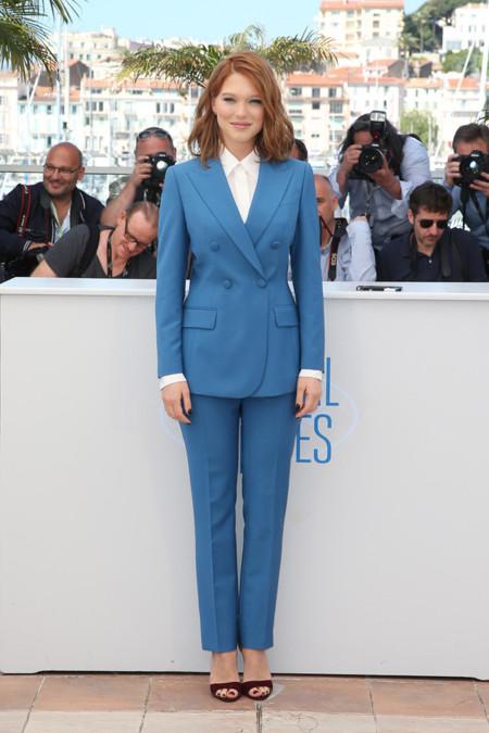 Festival de cine de Cannes Yves Saint Laurent Lea Seydoux smoking azul