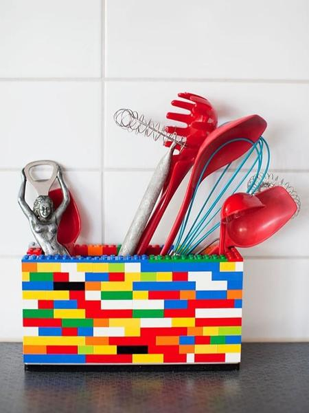 Hazlo tú mismo: posavasos y recipientes para tus utensilios de cocina con piezas de LEGO