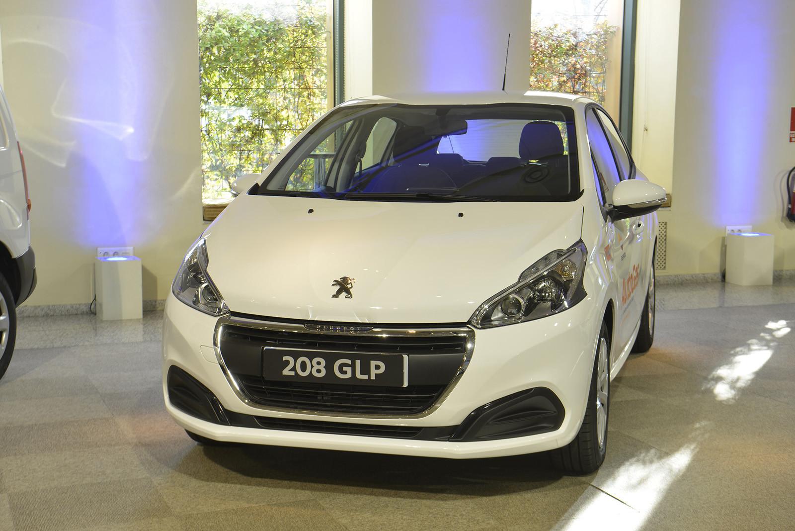 Foto de Peugeot gama comerciales y transformados (39/42)
