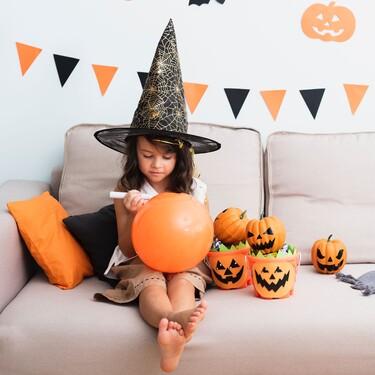 Siete manualidades de Halloween para hacer con niños y pasar la noche del terror en familia
