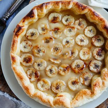 Tarta de manzana y plátano. Receta fácil de desayuno o postre