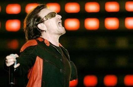 Intenta hacer una estatua de Bono y se queda sin fondos