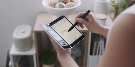 Aparece en internet un Surface Duo acompañado por un lápiz óptico similar al empleado por el Surface Pro X
