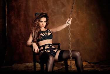 La vuelta de Mónica Cruz a la moda en la campaña de Agent Provocateur