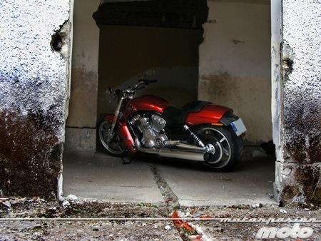 De pruebas con la Harley-Davidson V-Rod Muscle al hasta luego de Alberticu: la semana a rebufo
