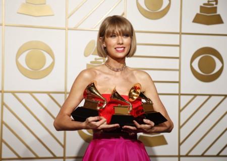 Los Grammy 2016: la noche de (una sexy, sexy) Taylor Swift