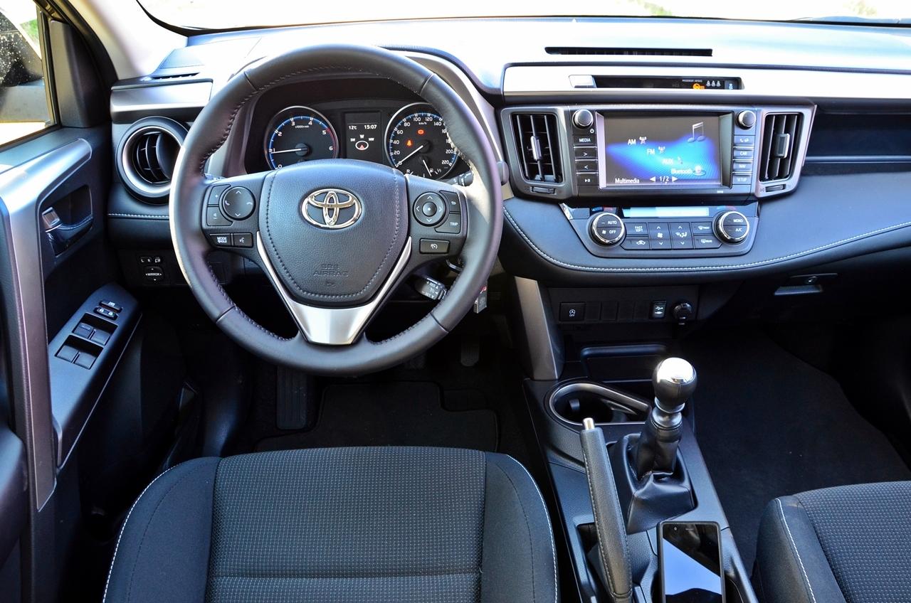 Foto de Toyota RAV4 150D Advance (59/75)