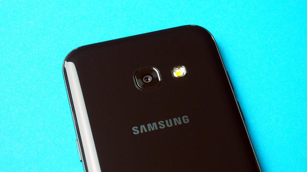 Foto de Samsung Galaxy A3 2017, diseño (4/12)