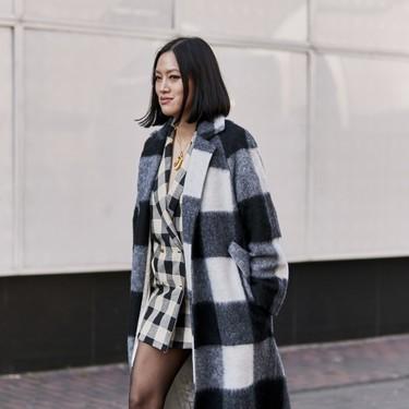 Los abrigos de cuadros son la solución perfecta para un invierno con estilo