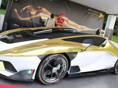 Tiene una pecera y 897 hp. Así de extravagante es el Frangivento Charlotte Roadster