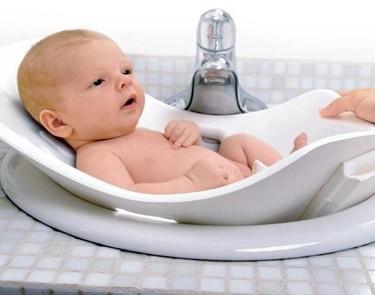 Puj Tub, bañera flexible para el bebé que podemos colocar en el lavabo