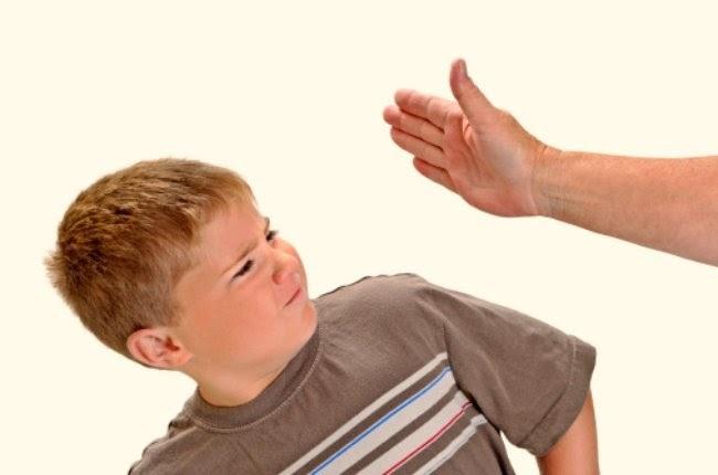 pegar a los niños