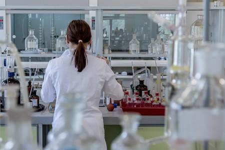 Coty, Nivea y VMV Cosmetics también se suman a la iniciativa de fabricación de geles desinfectantes