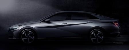 El Hyundai Elantra 2021 se asoma en dos fotos antes de su presentación oficial