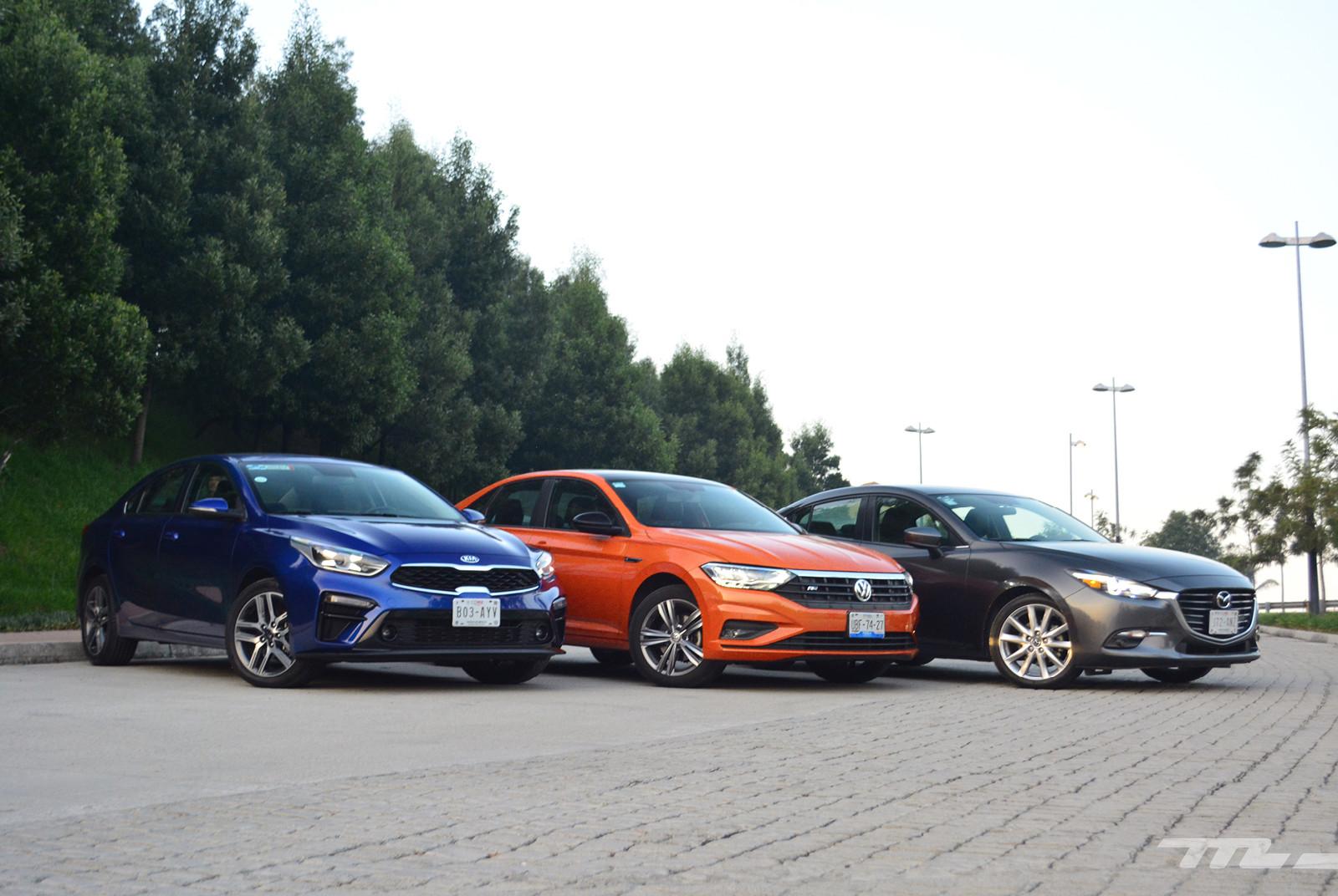 Foto de Comparativa: Mazda 3 2018 vs. KIA Forte vs. Volkswagen Jetta (1/31)