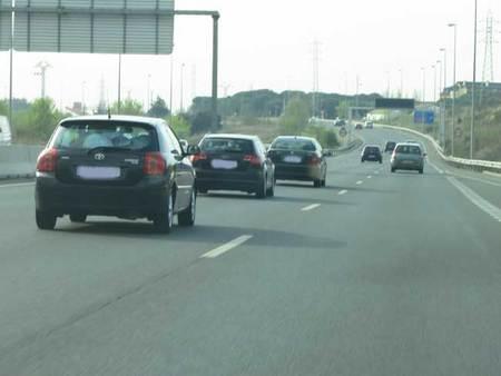 Recorrido 1 km, los tres coches seguían igual, haciendo su caravana particular. ¿Qué opinión os merece?