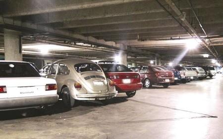 Olvida Su Auto En Un Estacionamiento 2