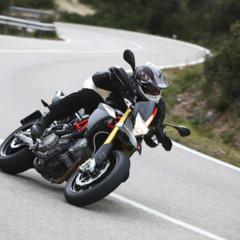 Foto 8 de 30 de la galería aprilia-dorsoduro-factory-2010 en Motorpasion Moto