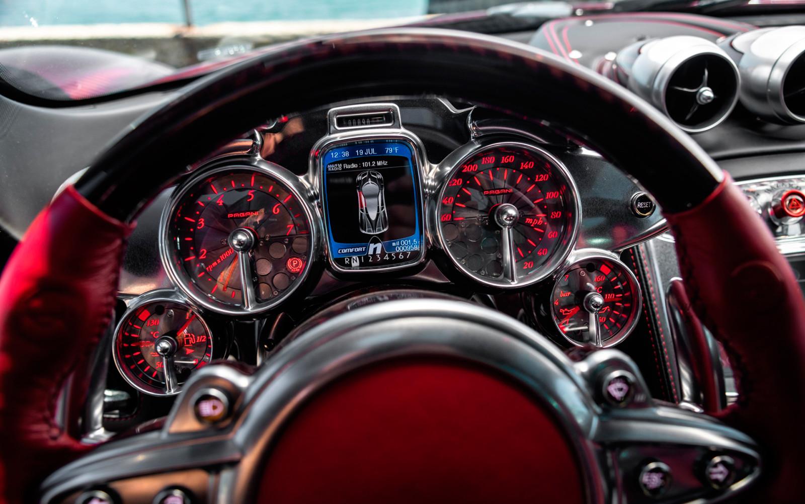 Foto de A la venta este Pagani Huayra Coupé con poco más de 1.200 km (6/21)