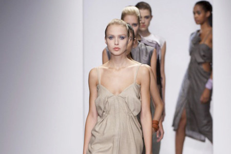 Emilio de la Morena, Simone Rocha, Fashion East y Meadham Kirchhoff Primavera-Verano 2014