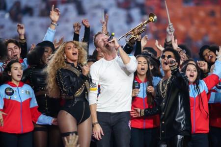Anoche San Francisco fue el centro de atención y todo gracias a la Super Bowl. He aquí los looks de Lady Gaga y Beyoncé