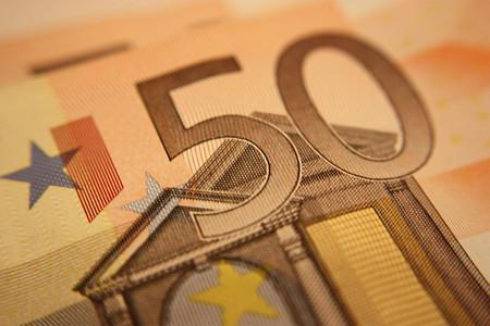 Emprender a 50 euros; menos da una piedra