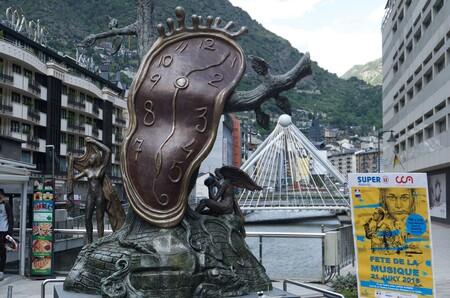 Tributar en Andorra puede salir caro; los riesgos que corren los youtubers al trasladar su residencia fiscal fuera de España