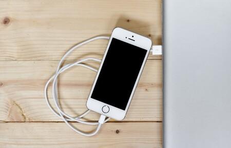 Apple se enfrenta al pago de 113 millones de dólares por ralentizar los iPhone en 2017 tras un nuevo acuerdo