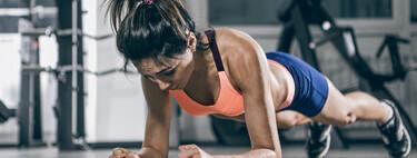 Un entrenamiento rápido con variaciones de la plancha para poner tus abdominales a punto