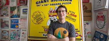 El mayor coleccionista de cajas de pizza del mundo nos da su mejor receta (y nos explica por qué nunca pide pizza a domicilio)
