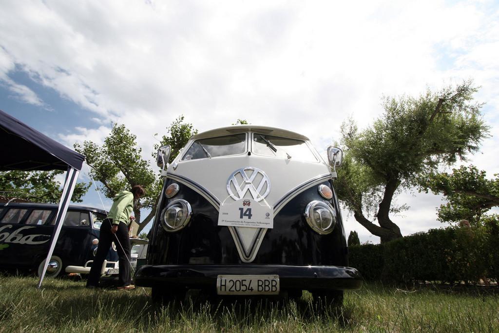 Foto de Concentración de furgonetas Volkswagen en Girona, más de 400 asistentes (21/22)